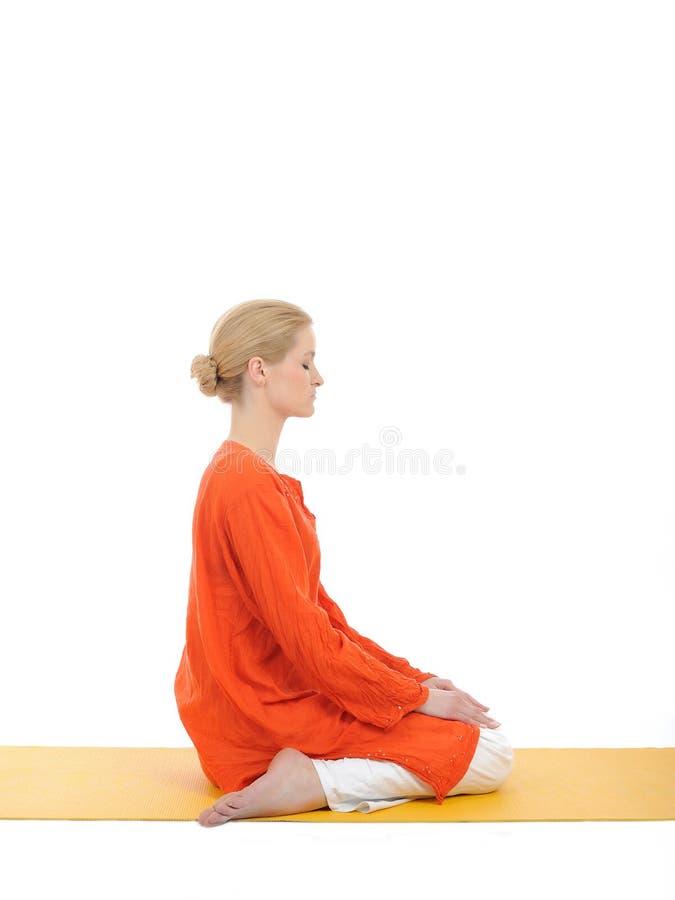 Série ou ioga photos.woman que fazem o pose da ioga imagens de stock royalty free