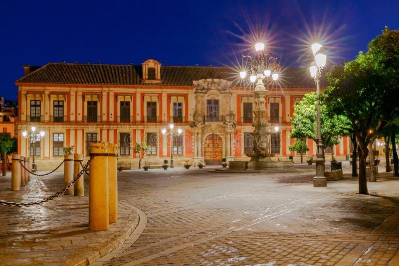 Séville Visibilité directe Reyes de Plaza de la Virgen photo stock