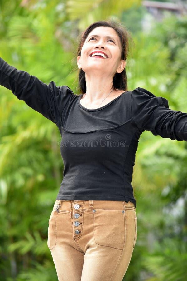 Sênior fêmea asiático e felicidade fotografia de stock royalty free