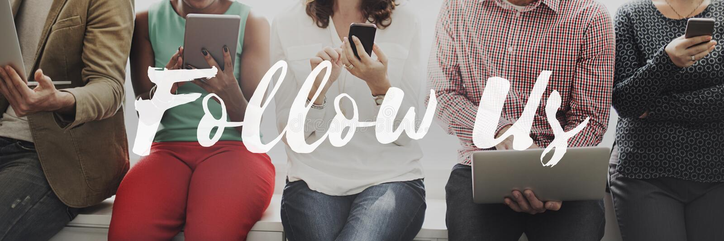 Síganos que comparten medios Internet social Concep en línea del establecimiento de una red fotografía de archivo