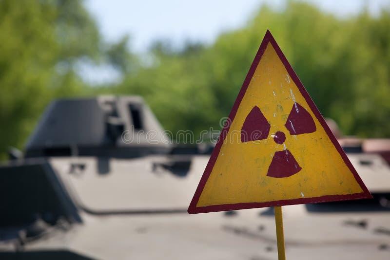 Símbolo amonestador de la radiactividad imágenes de archivo libres de regalías