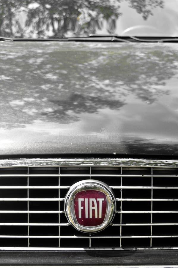 Símbolo auto del metal de Fiat imagenes de archivo