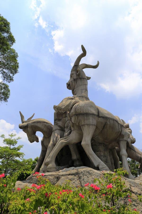 Símbolo da cidade de guangzhou, cinco cabras fotografia de stock royalty free