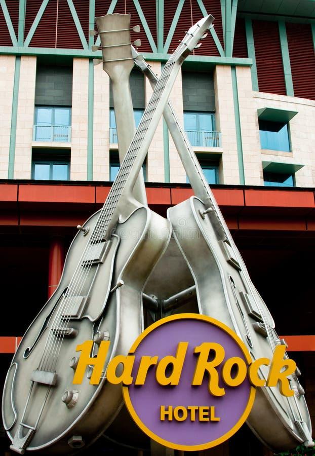 Símbolo de la guitarra del hotel del rock duro en Singapur imagen de archivo libre de regalías