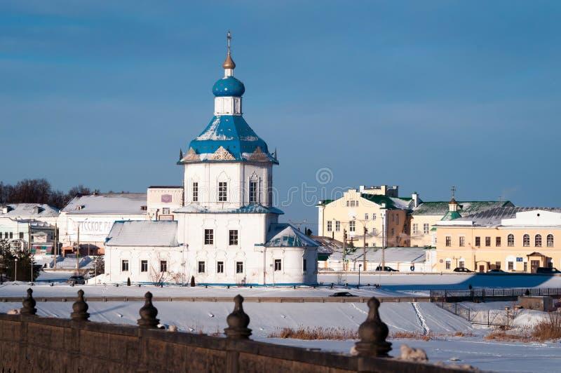 Símbolo de la iglesia de la suposición de la ciudad Cheboksari, Rusia fotos de archivo