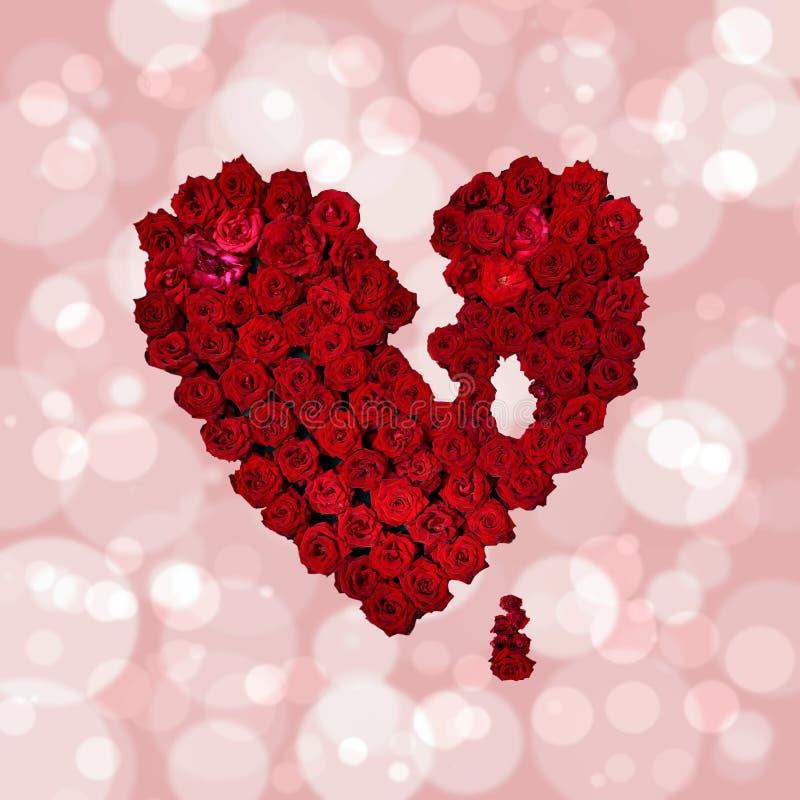 Símbolo del amor - corazón rojo hecho flores del 14 de febrero, Valentín fotos de archivo libres de regalías