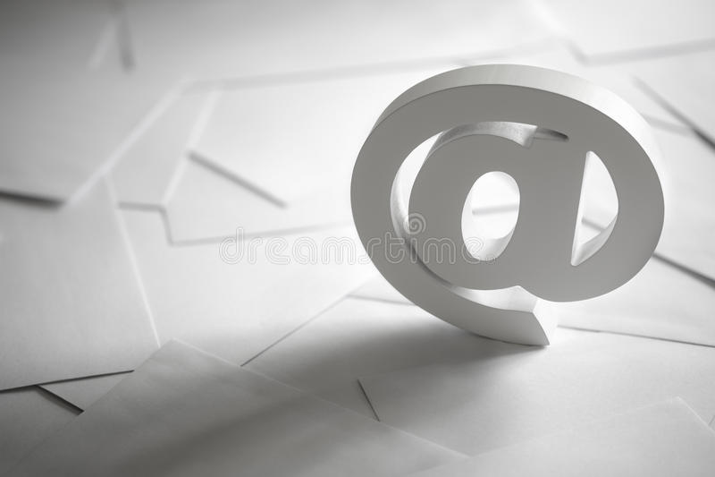 Símbolo del correo electrónico imagen de archivo