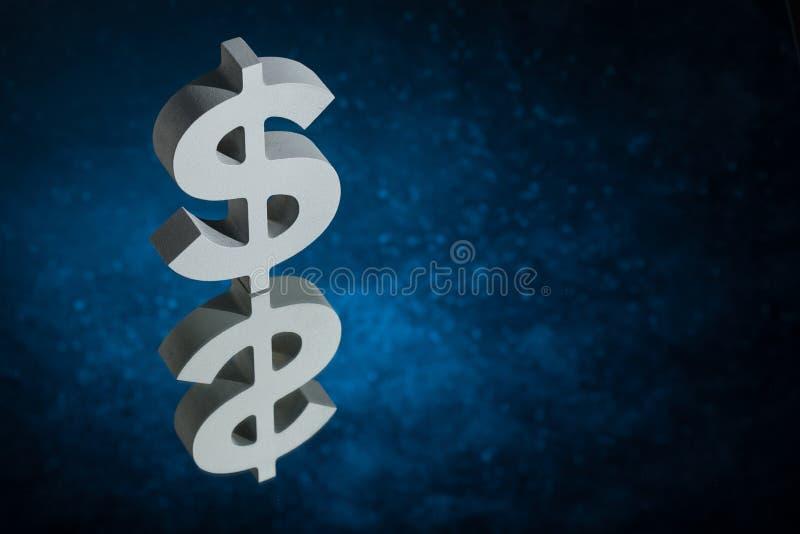 Símbolo ou sinal de moeda dos E.U. com reflexão de espelho em Dusty Background azul ilustração royalty free