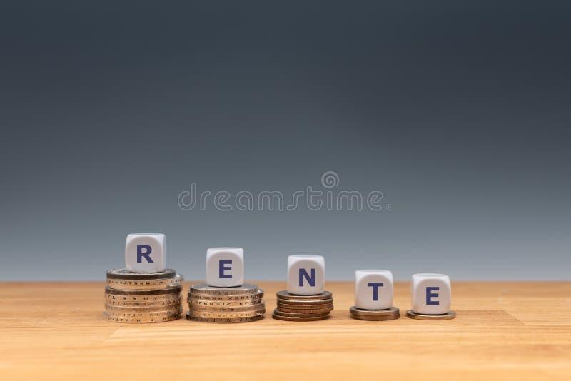Símbolo para las pensiones de disminución fotografía de archivo