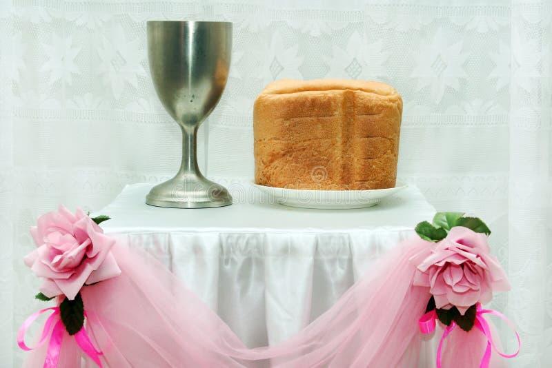 Matrimonio Catolico Precio : Símbolos de la boda del cristianismo imagen archivo