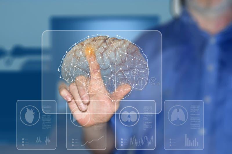 Símbolos de la mano y de los órganos humanos en las pantallas virtuales imagenes de archivo