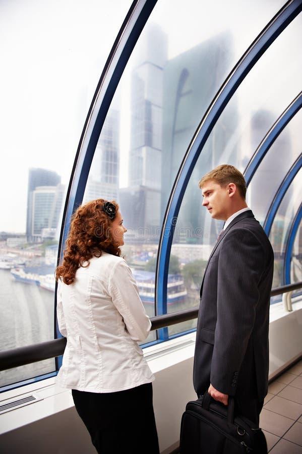 Sócios comerciais em uma reunião imagem de stock royalty free