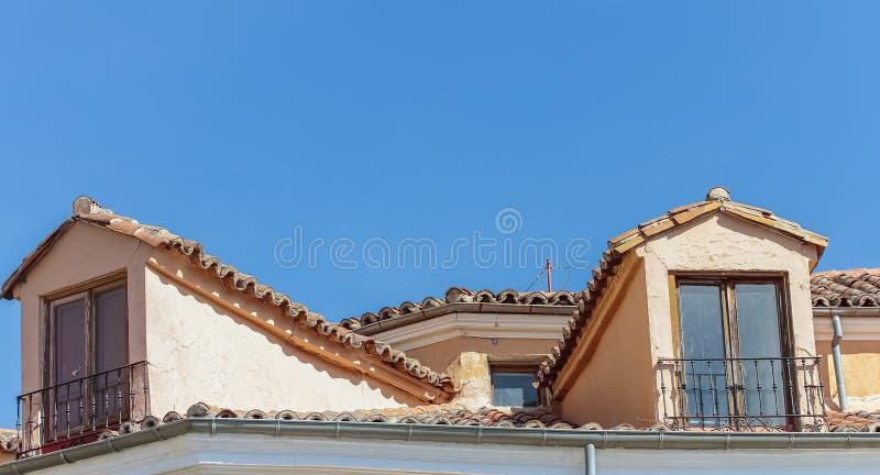 Sótão antigos com telhado de telhas fotografia de stock royalty free