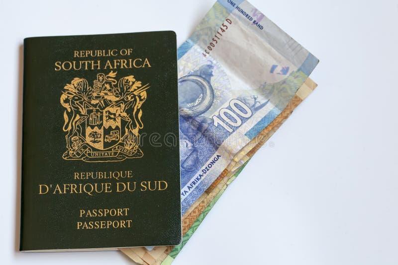 Södra - afrikanskt pass med valutaanmärkningar arkivbilder