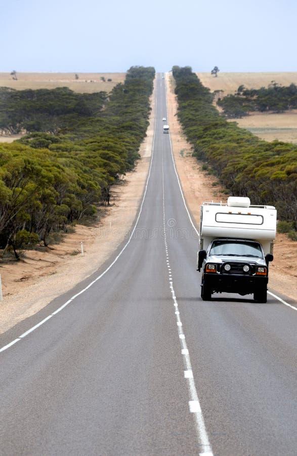 södra Australien eyre huvudväg royaltyfria bilder