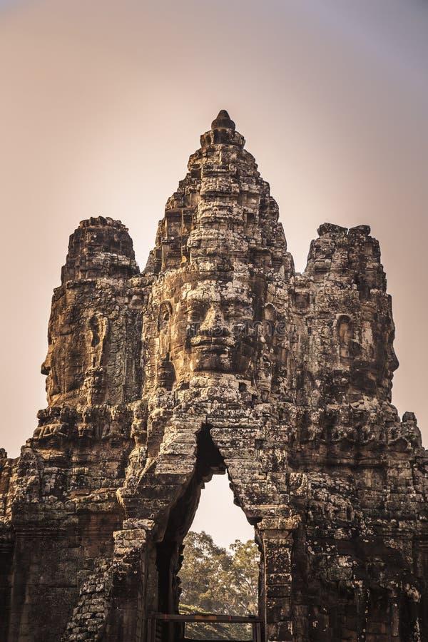 Södra port i Angkor Thom arkivfoto