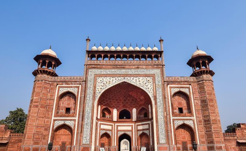 Södra storslagen ingångsport av Taj Mahal, Agra, Indien royaltyfri fotografi