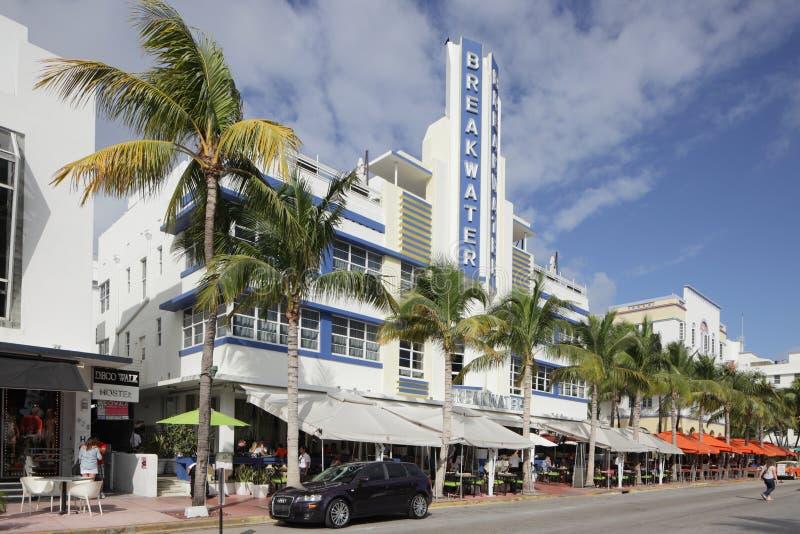 Södra strand för hotellvågbrytare arkivfoto