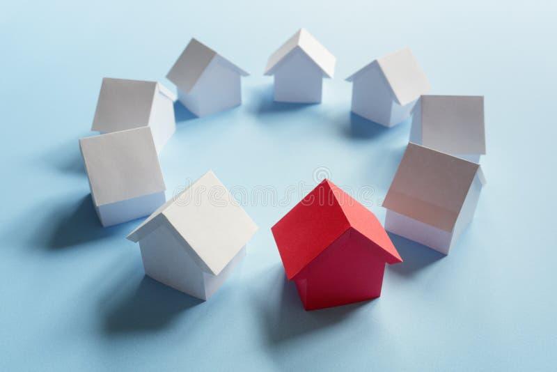 Söka för fastighetegenskap, hus eller nytt hem royaltyfri fotografi