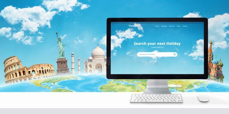 Sökande för ferieonline-begrepp med datorskärm och berömda världsplatser bak jordklotet royaltyfri bild