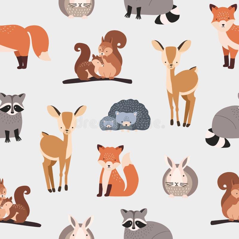 Sömlös modell med olika gulliga tecknad filmskogdjur på vit bakgrund - ekorre, igelkott, räv, hjort, kanin stock illustrationer