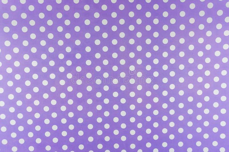 Sömlös modellbakgrund för purpurfärgad liten prick royaltyfri bild