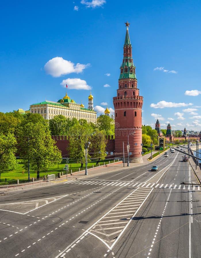 söndag morgon i Moskva royaltyfri bild