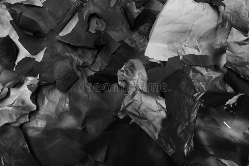 Sönderrivet kulört papper, textur, bakgrund arkivbilder