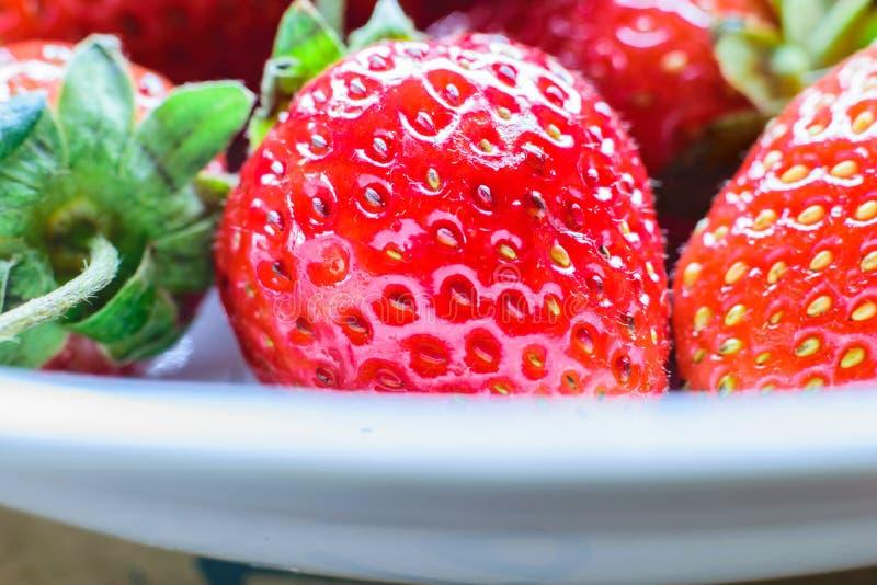 söt jordgubbe ny jordgubbe Rött strewberry royaltyfri foto