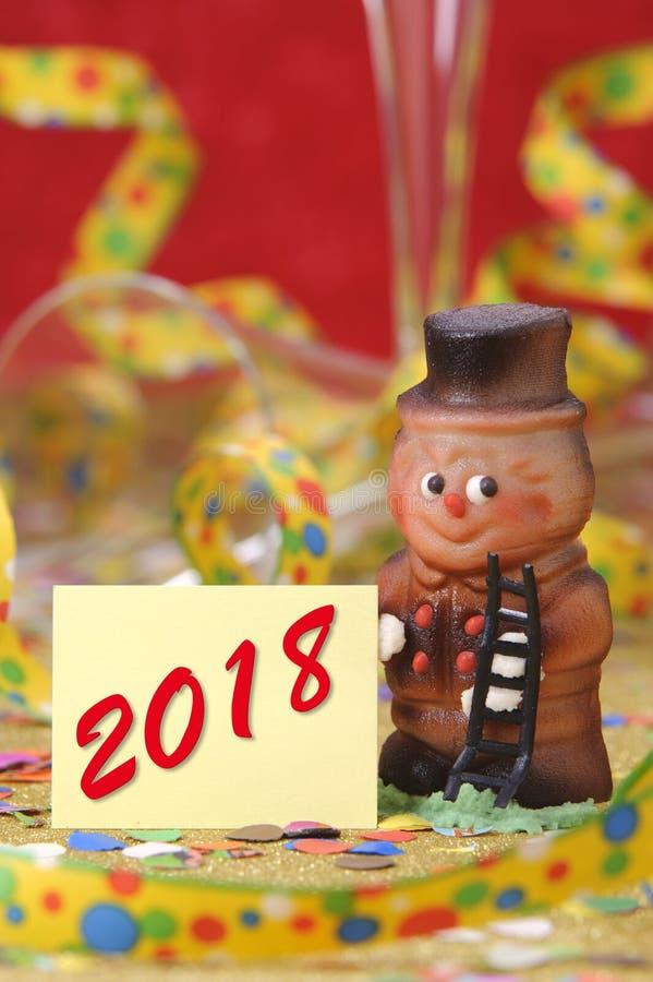Söt lycklig berlock för det nya året 2018 royaltyfri bild