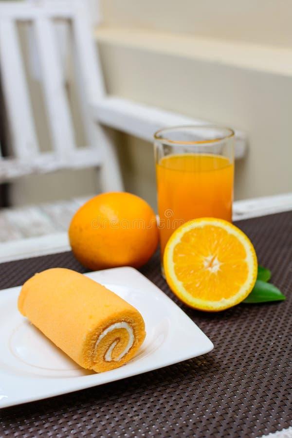 Söt och orange fruktsaft arkivfoto