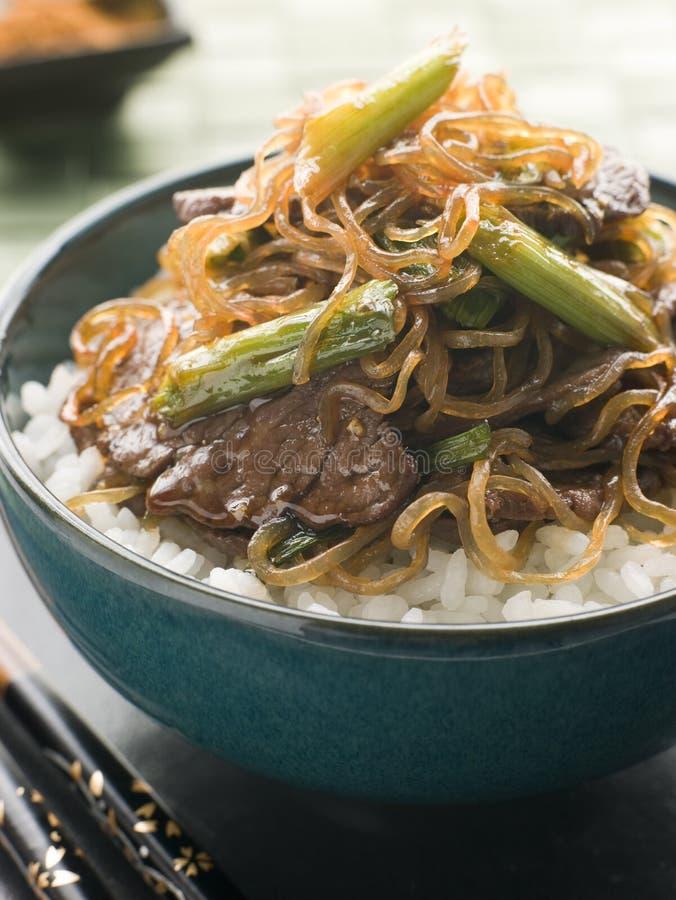 söt soy för shirataki för nötköttfilénudlar arkivfoton