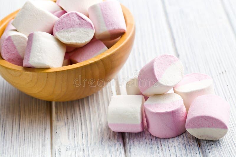 Söta marshmallower arkivbilder