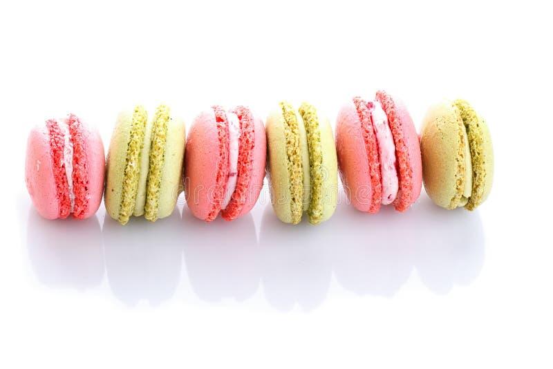 Download Söta Och Färgglade Franska Makron Eller Macaron På Vit Bakgrund Arkivfoto - Bild av konfekt, läckert: 78729360