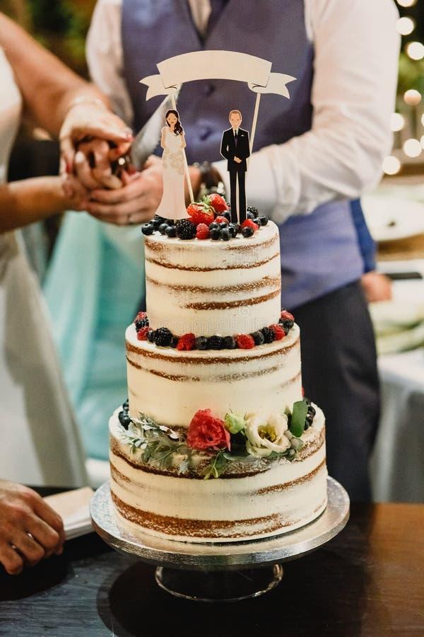 Sött bageri för bröllopstårta royaltyfri foto
