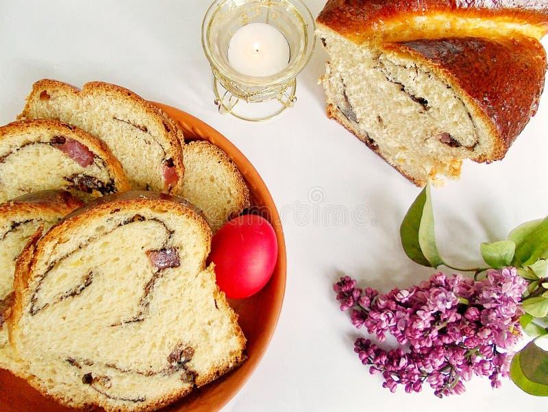 Sött bröd för påsk, cozonac arkivfoton