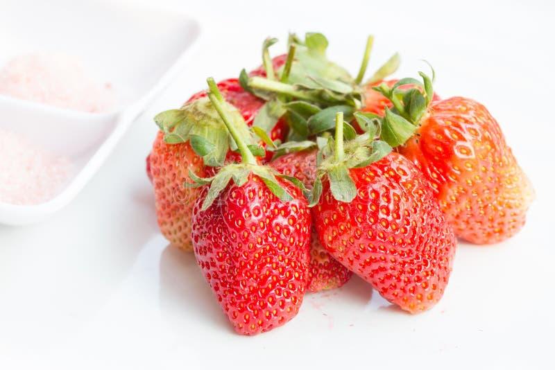 Sött strewberry och plommonpulver arkivbild