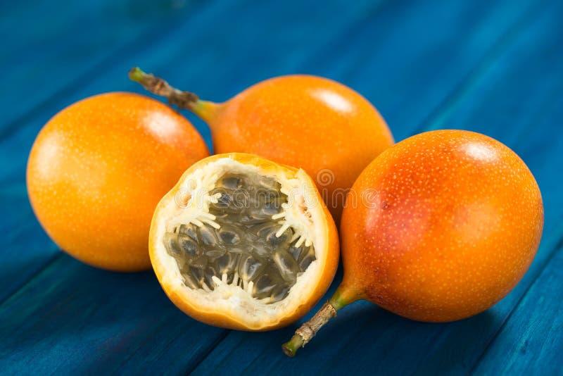 Süße Grenadille oder Grenadia-Frucht lizenzfreie stockbilder