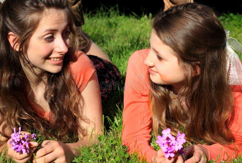 Süße jugendlich BFF-Mädchen lizenzfreie stockfotografie