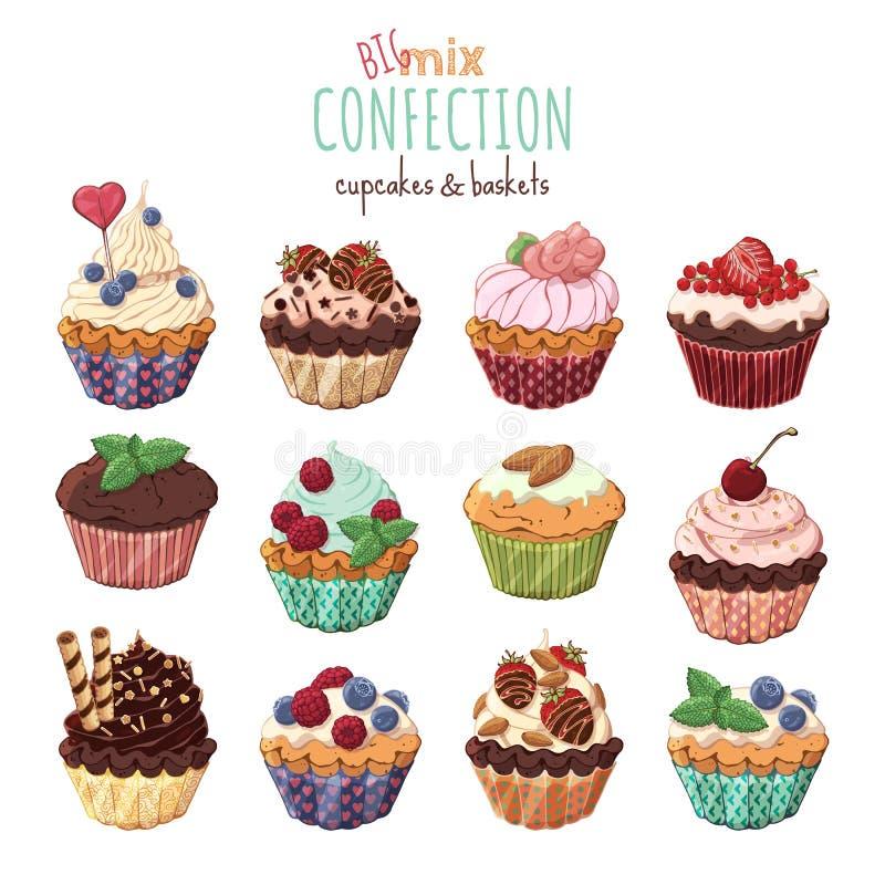 Süße Körbe und kleine Kuchen mit Sahne verziert mit Beeren und Schokolade lizenzfreie abbildung