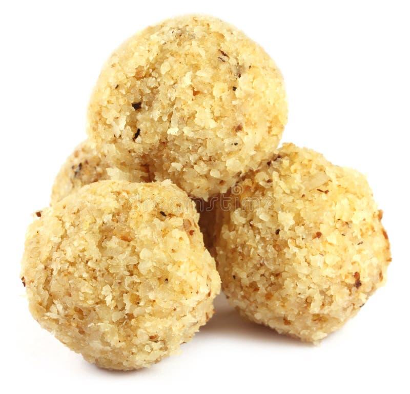 Süße Kokosnusskugel benannt als Naru in Bangladesh stockfotos