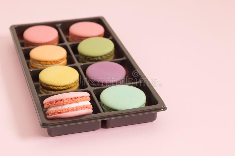 Süße und bunte französische Makronen lizenzfreies stockfoto