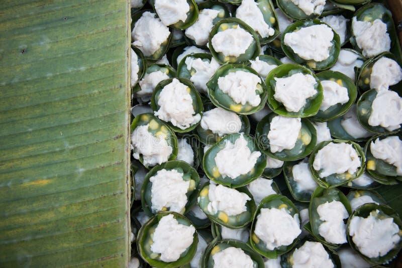 Süßer Pudding thailändischen Nachtischs Nachtischname Kanom Tako- thailändischen mit Co stockfotografie