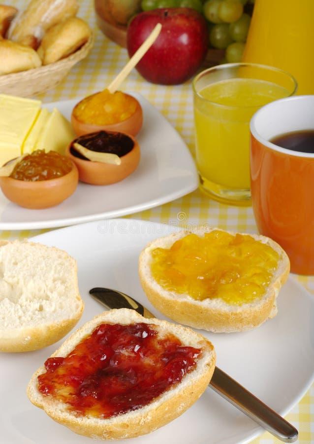 Süßes Frühstück mit Störung stockfotografie