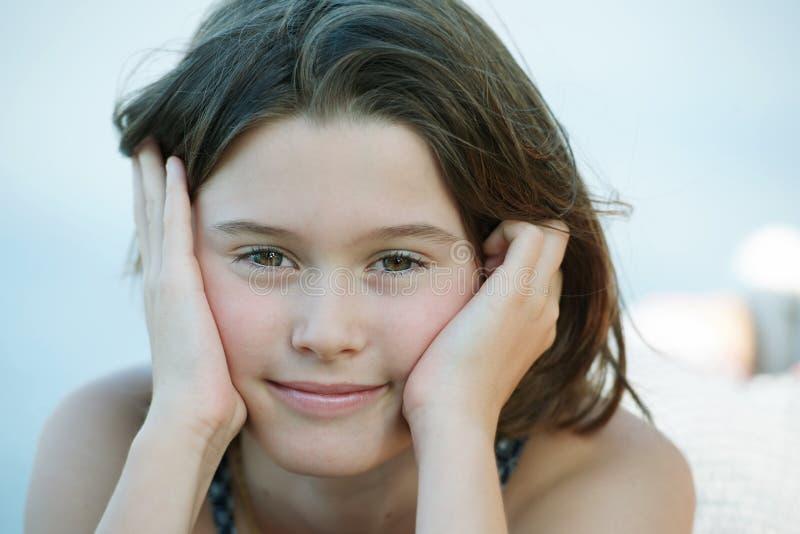 Süßes hübsches Mädchen stockfotos