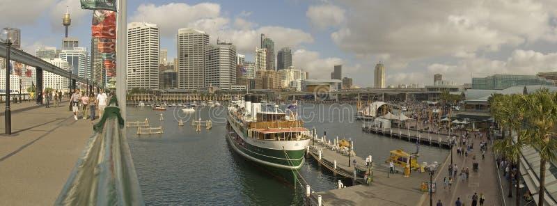 Süßes Hafenpanorama stockbilder
