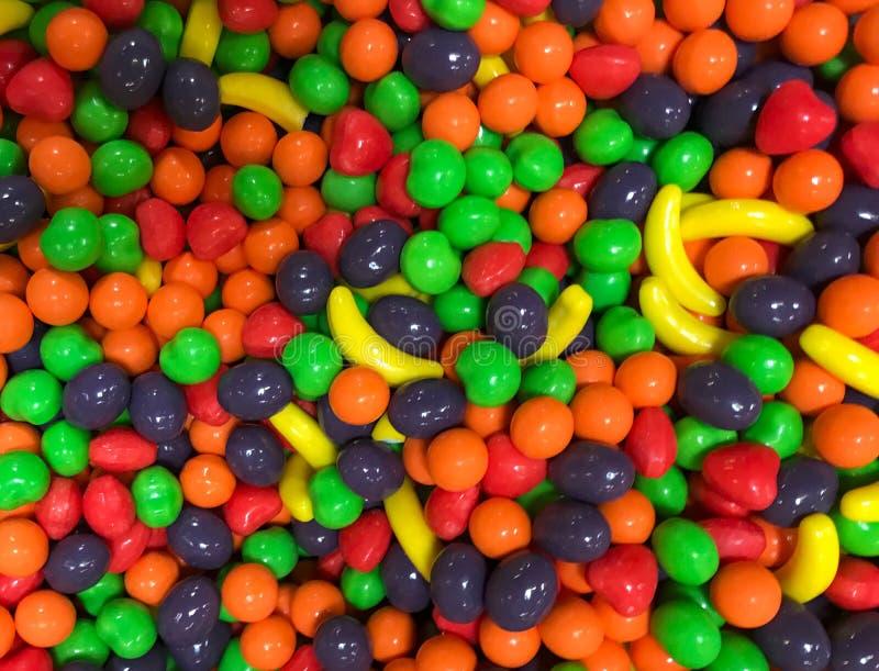 Süßigkeit, 'Runtzs herein Schüttgutcontainer, Regenbogen von Farben lizenzfreies stockbild