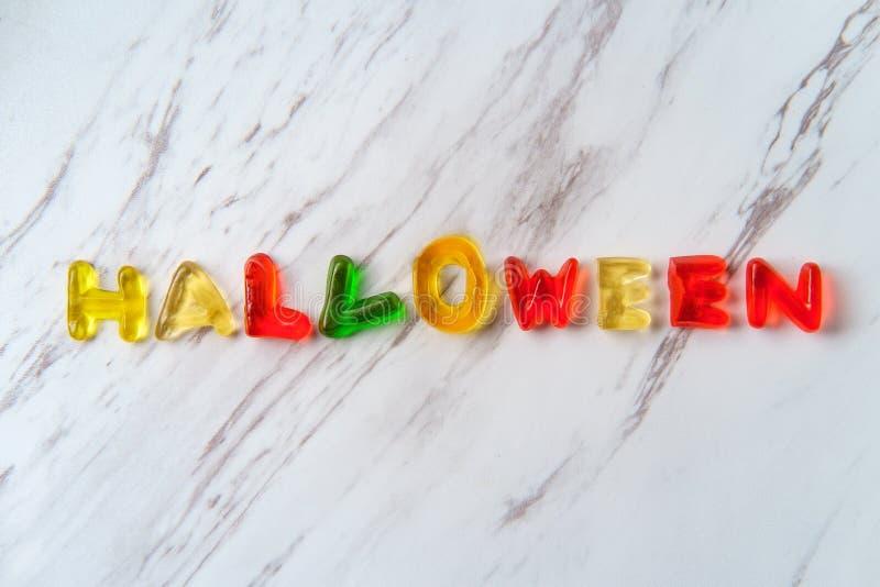 Süßigkeits-Buchstaben buchstabieren Halloween stockfotografie