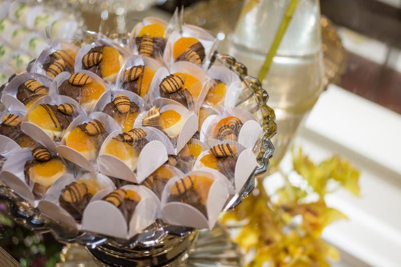 Süßigkeitstabelle in der Hochzeit, Heirat lizenzfreie stockfotos