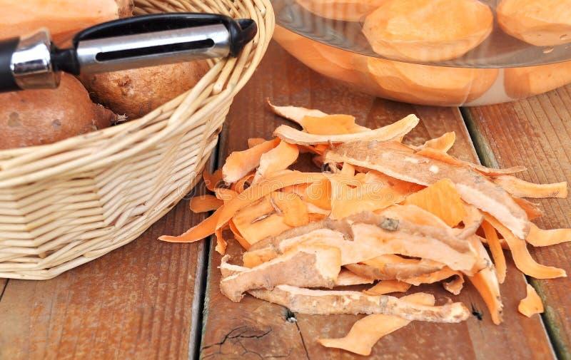 Süßkartoffelhautstapel stockfoto